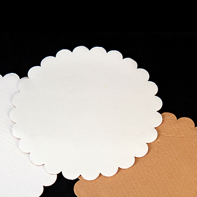 Cake Board White Laminated 10 Scallop